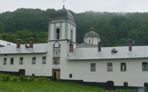 Tărâmul interzis prin legământ femeilor. Blestemul Sfântului Calinic de la Mănăstirea Frăsinei, după ce i-a găsit pe călugări chefuind cu femeile din sat